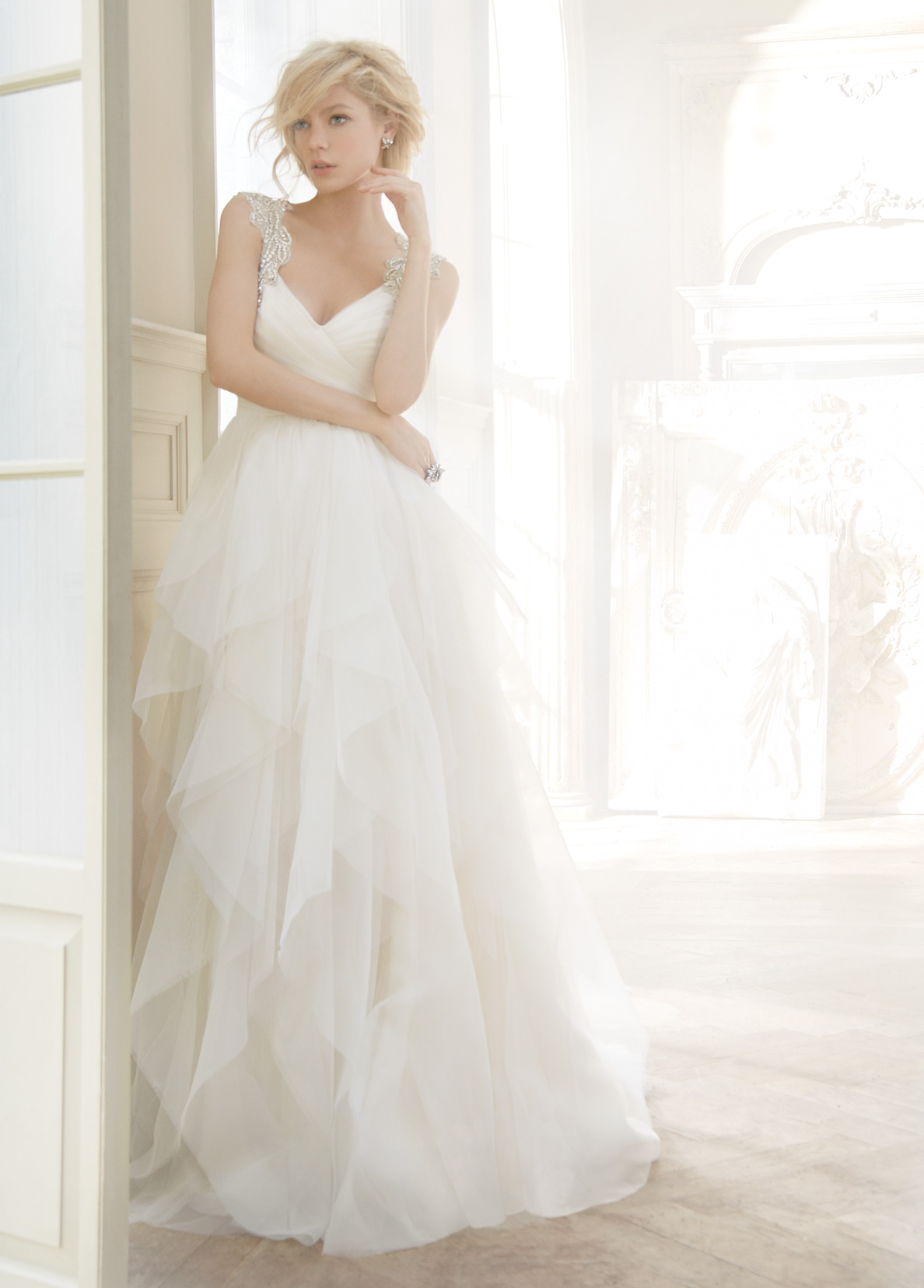 ea97e1299eb04 Hayley Paige Wedding Dress