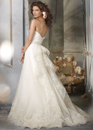 Jim Hjelm Bridal Dresses Style 8002 by JLM Couture, Inc.