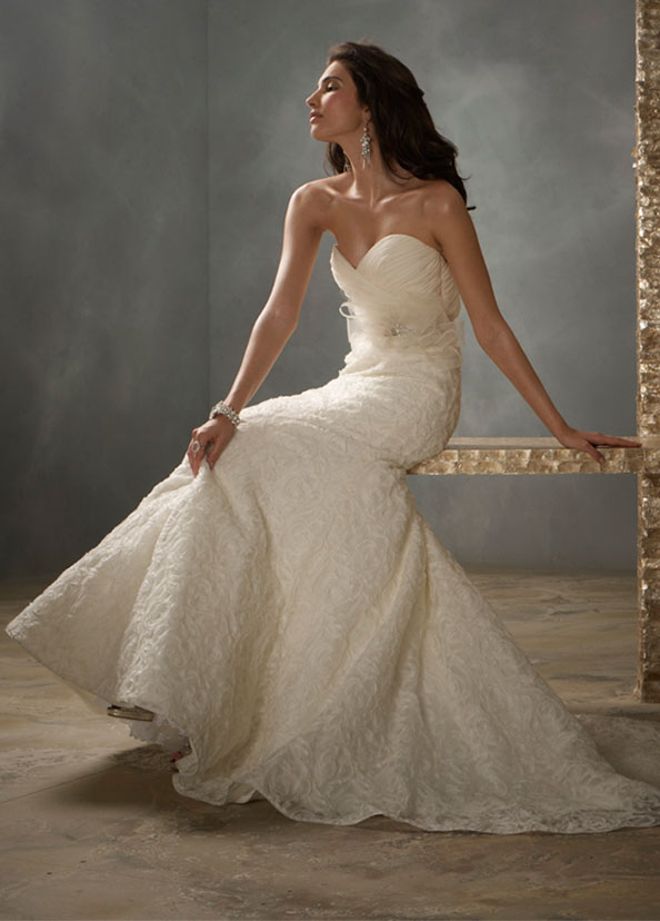 Jim Hjelm Bridal Gowns, Wedding Dresses Style jh8156 by JLM Couture, Inc.