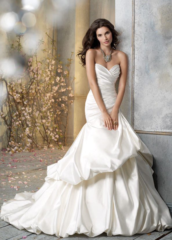 Jim Hjelm Bridal Gowns, Wedding Dresses Style jh8057 by JLM Couture, Inc.