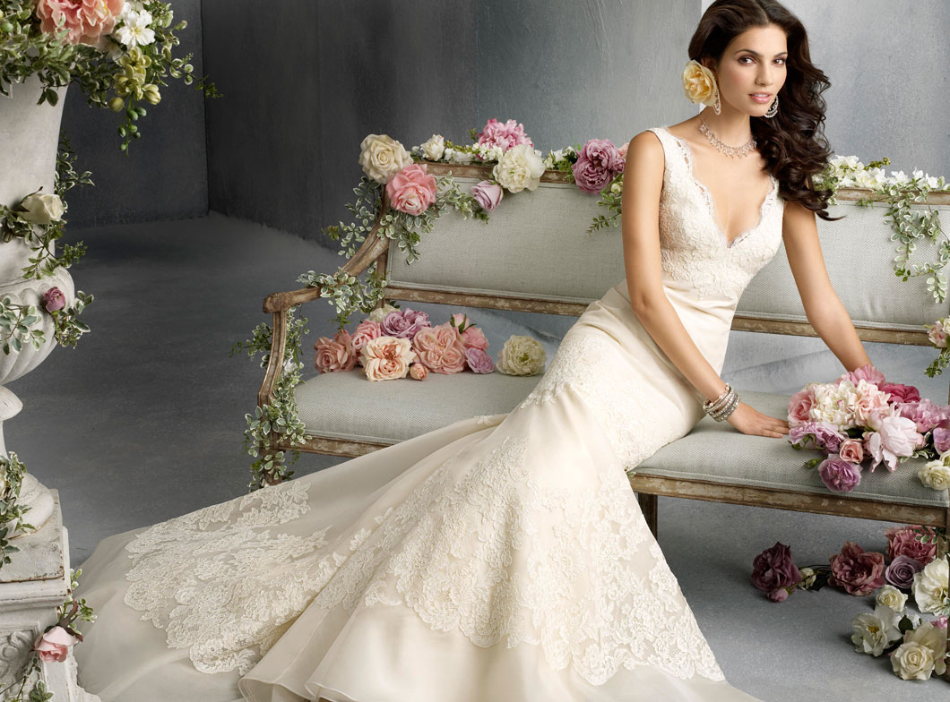 Jim Hjelm Bridal Gowns, Wedding Dresses Style jh8800 by JLM Couture, Inc.