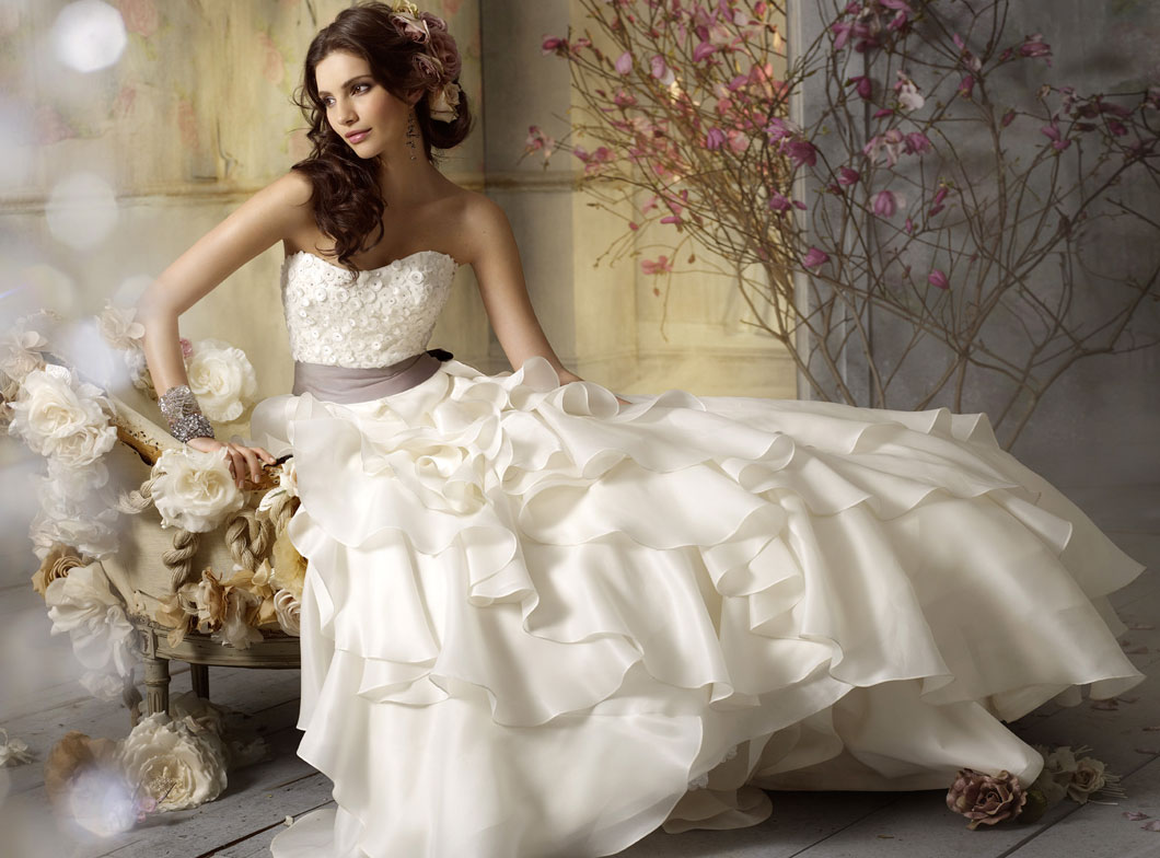Jim Hjelm Bridal Gowns, Wedding Dresses Style jh8962 by JLM Couture, Inc.