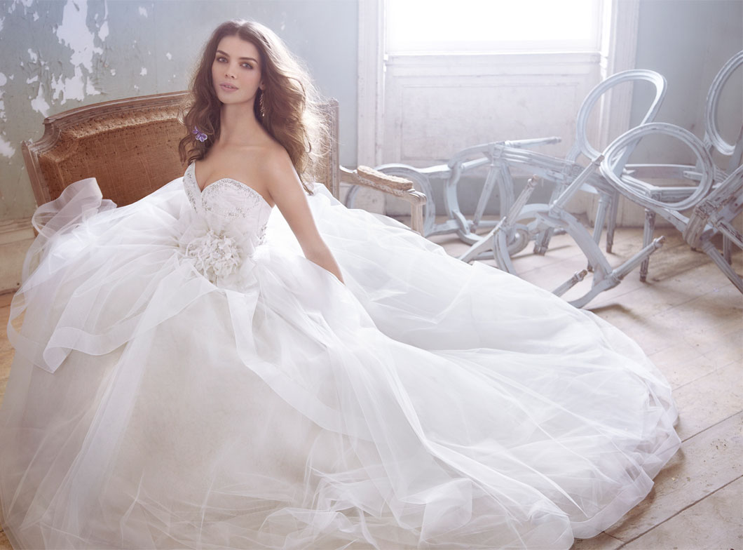 Jim Hjelm Bridal Gowns, Wedding Dresses Style jh8301 by JLM Couture, Inc.